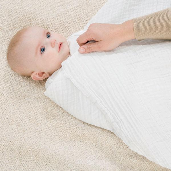 قنداق نوزادان-آموزش قنداق نوزاد-روش قنداق کردن-قنداق کردن تا چند ماهگی-انواع قنداق