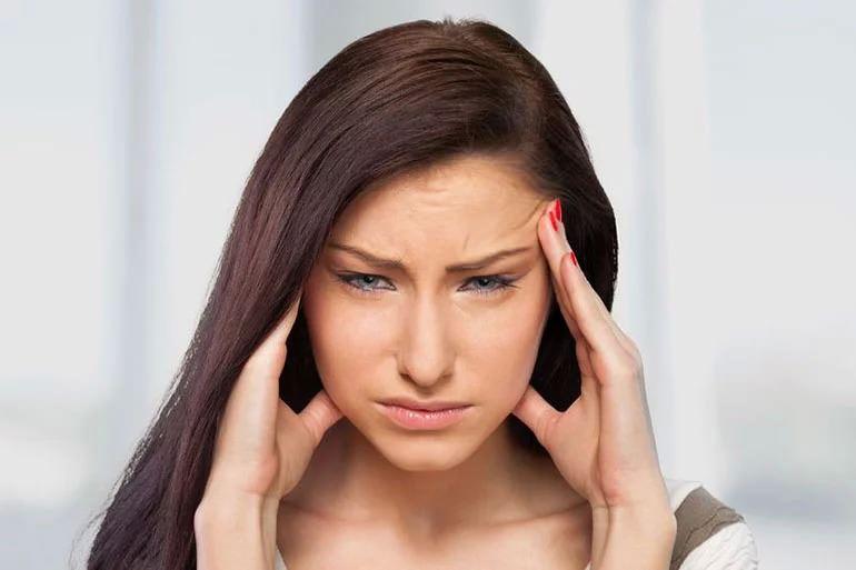 عوارض لوازم آرایشی و بهداشتی-سردرد