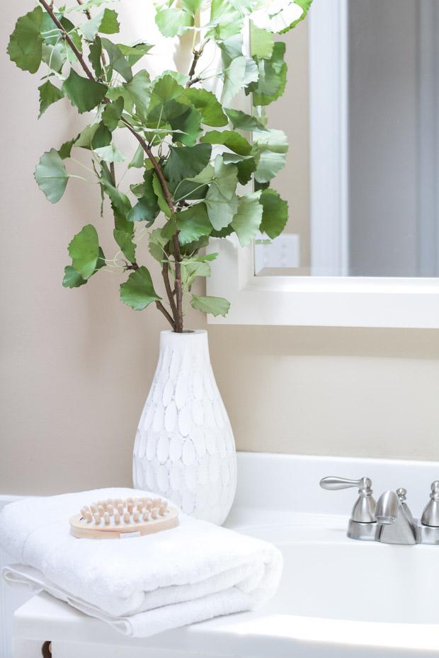 تزئین حوله ها در حمام - تا زدن 2